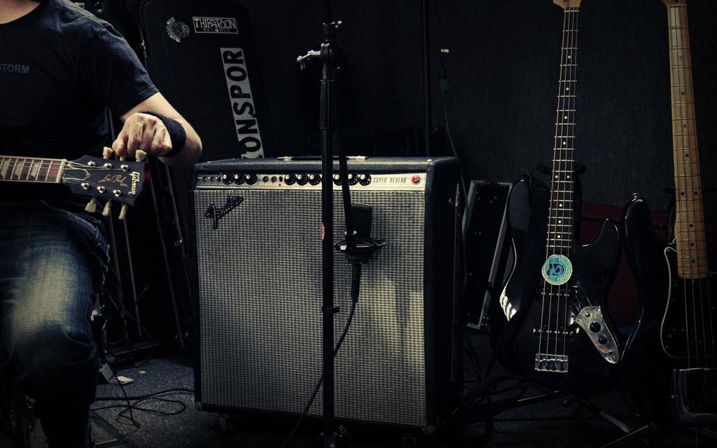 Black Sea Storm Fender Super Reverb